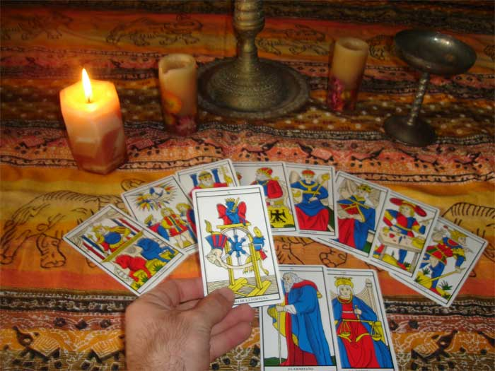 tirar las cartas del tarot